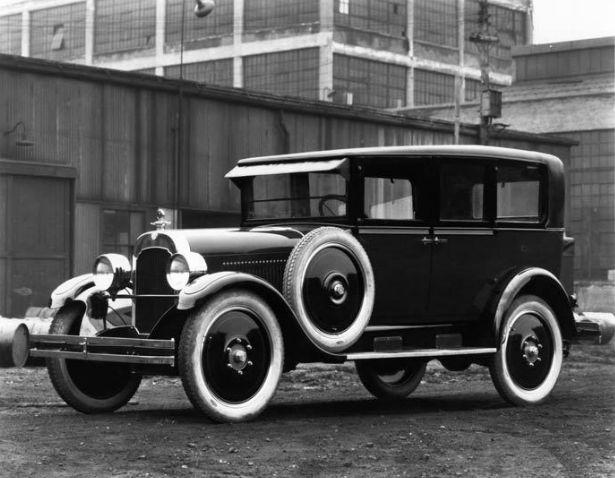 In 1907 Hugh Chalmers and E.R. ...